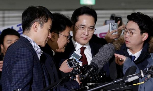 Тежки часове за наследника на империята на Samsung