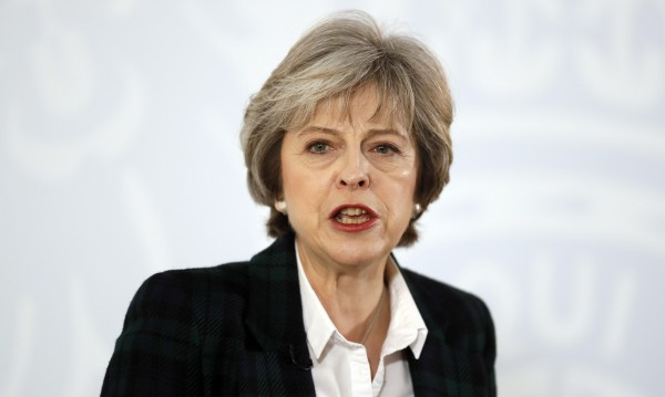 Тереза Мей сложи край на неяснотата около Brexit-а