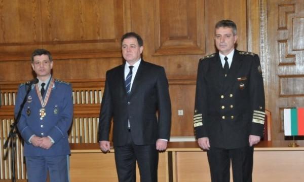 Вицеадмирал Евтимов пое временно шефския пост в отбраната