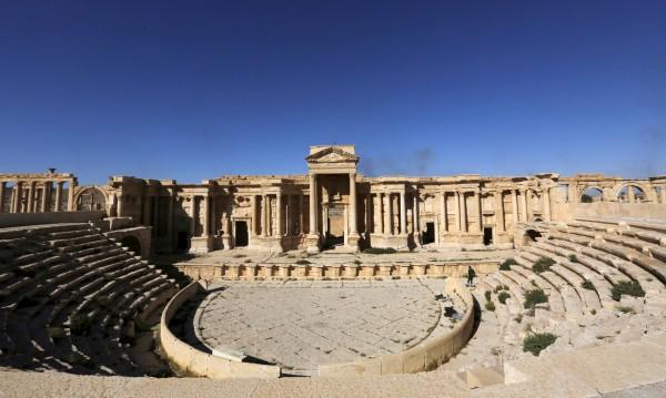 Джихадисти разрушили част от Римския амфитеатър в Палмира