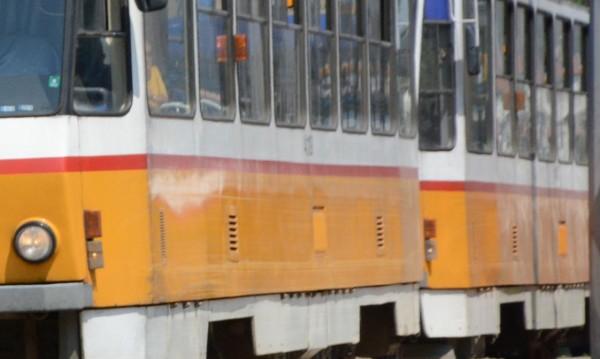 Трамваи и тролеи с променен маршрут заради авария в центъра