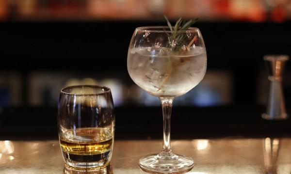 Честата консумация на алкохол състарява кожата