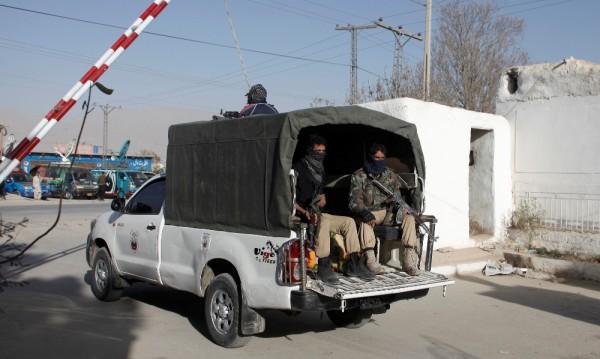 Най-малко 20 загинали при атентат на пазар в Пакистан