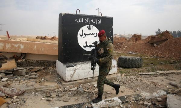 """""""Ислямска държава"""" взриви най-големия хотел в Мосул"""