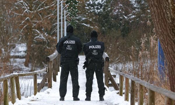 Още арести за планиран атентат в метрото във Виена