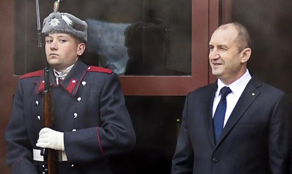 За встъпването в длъжност на Радев – в Анкара, Пекин и Киев