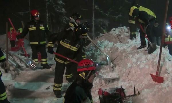 Извадиха шеста жертва на лавината-убиец в Италия