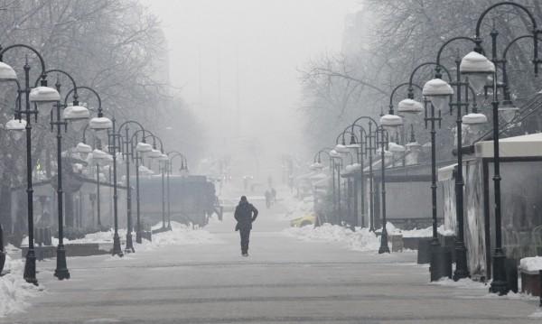 Времето утре: Облаци, студ, мъгла и -13 градуса