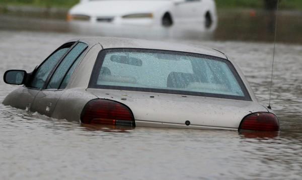 21 жертви на бури и проливни дъждове в САЩ