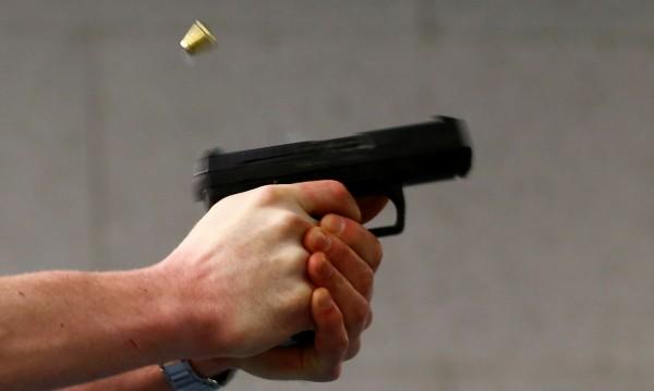 При семеен скандал в Ямбол: Мъж простреля брат си