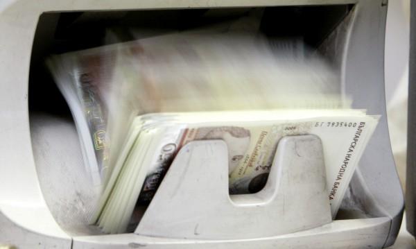 С колко се увеличиха спестяванията ни в банките?