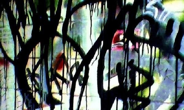 Банда вандали рисува графити в метрото, търсят ги