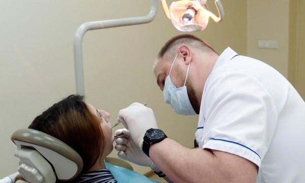 Зъболекар без тапия лекува 3 села в Делиормана