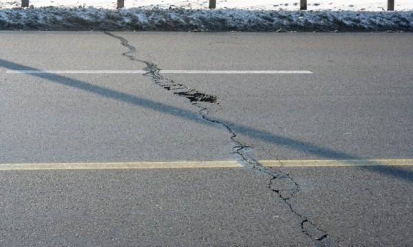 Пукнатините на пътя – само по старите пътища, увери Павлова