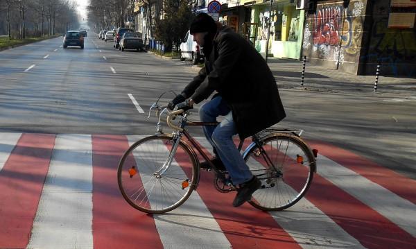От днес – новите правила за пешеходци и тъмни стъкла