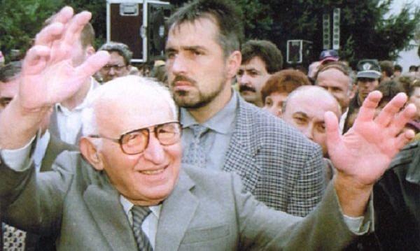 Към светли бъднини: Борисов се нареди до Бай Тошо и Стамболов