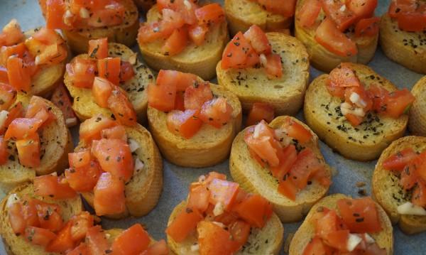 Рецептата Dnes: Бързи брускети със салца