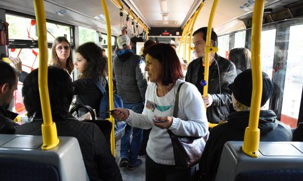 Софиянци бойкотираха скъпото билетче, не го купуват