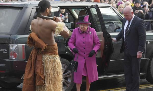 Най-накрая, появи се! Елизабет II се показа за сефте тази година