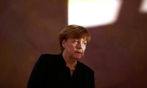 И Меркел разкритикува Тръмп за мигранционните рестрикции
