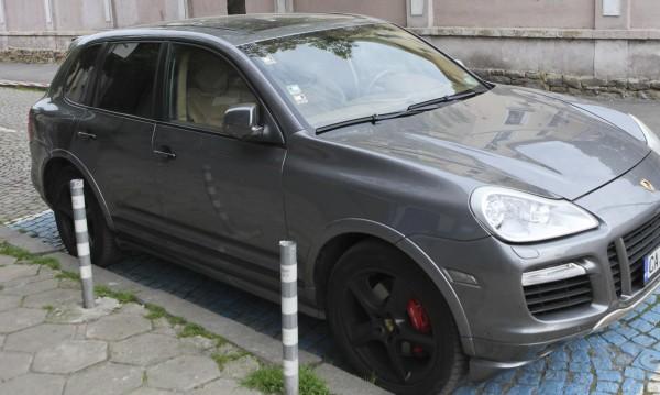 Схема в София: Инвалиден стикер има, инвалидът - починал