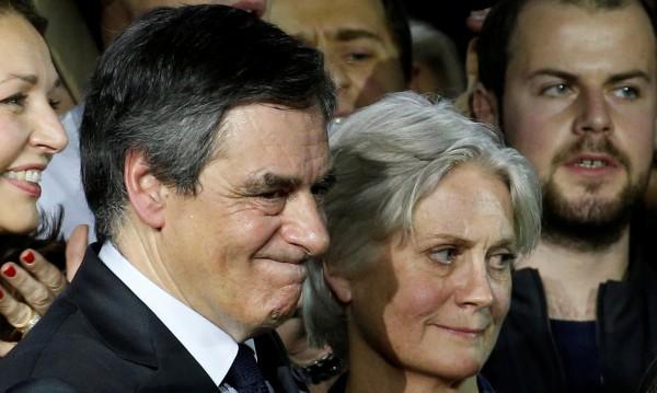 Разпитват 5 часа кандидата на френската десница за президент Фийон