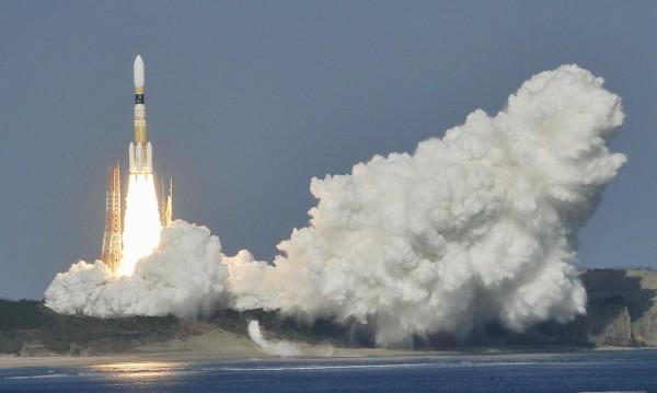 """Неуспешен първи опит на """"Конотори-6"""" да събере космически боклук"""