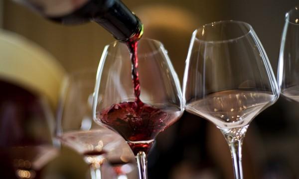 Средно пием по 4.6 л вино на година