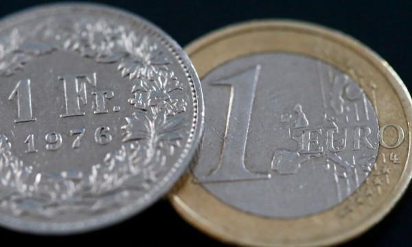 Партията на Льо Пен твърда: Франция да се откаже от еврото!