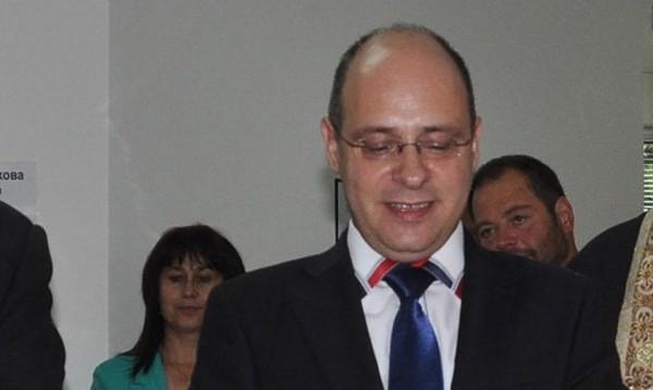 Стари зам.-министри попълват екипите в министерствата