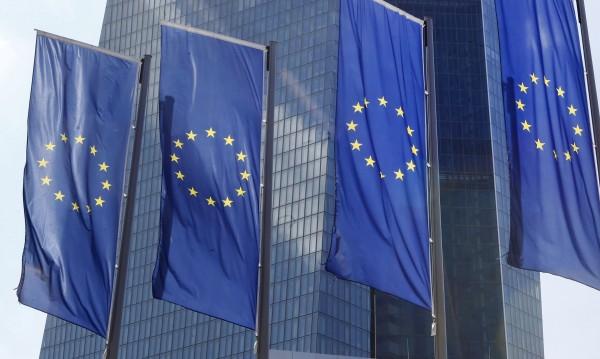 Мюсюлмани с паспорт от ЕС ще пътуват до САЩ