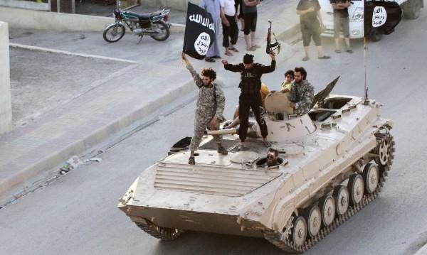 Наказанието на ИД - отсякоха ръцете на две деца