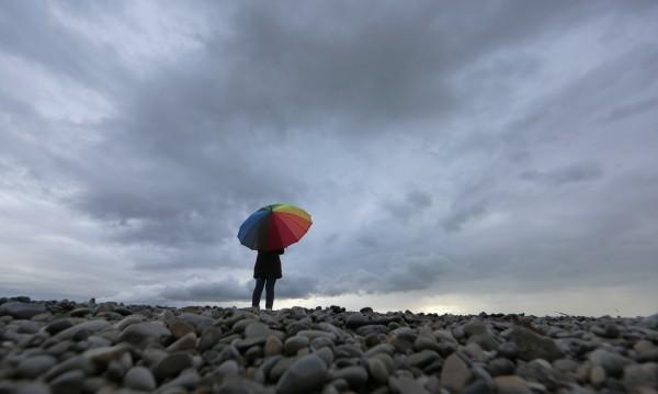 Дъждът спира по обяд, температурите – пролетни