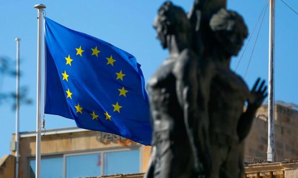 САЩ към ЕС: Бъдете благодарни, че ви помогнахме след войната!