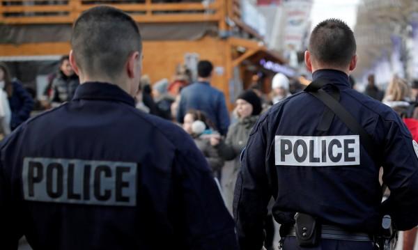 Френски полицай обвинен в изнасилване на 22-годишен