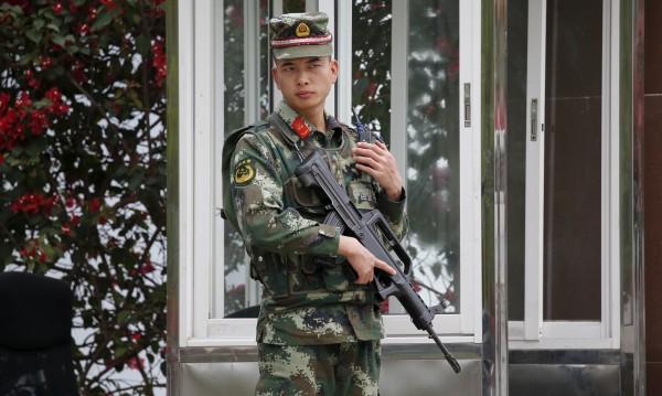 Чужденците вече влизат в Китай само с пръстови отпечатъци