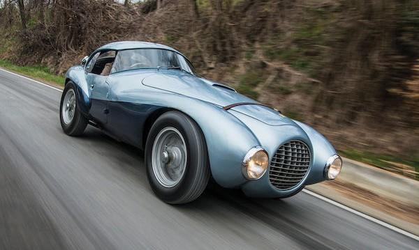 Най-странното Ferrari в историята отива на търг