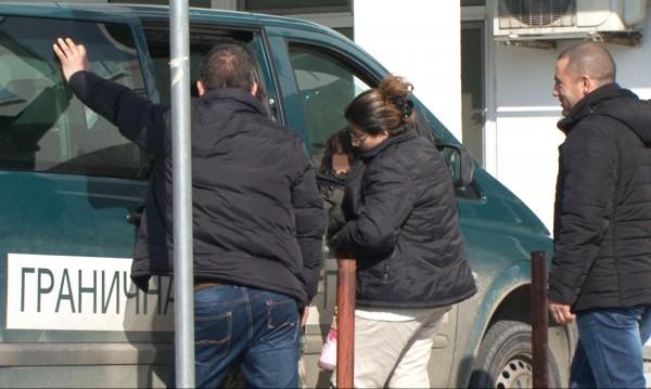 Спипаха 18 мигранти на Калотина, с тях и трима трафиканти