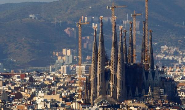 Забележителната катедрала La Sagrada Familia