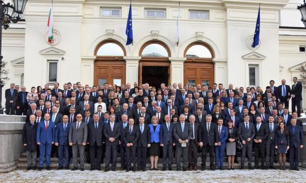 Къде работят депутатите ни? 19 хил. българи гостували в 43-то НС