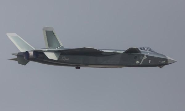 """""""Опасна"""" среща на военни самолети на Китай и САЩ"""