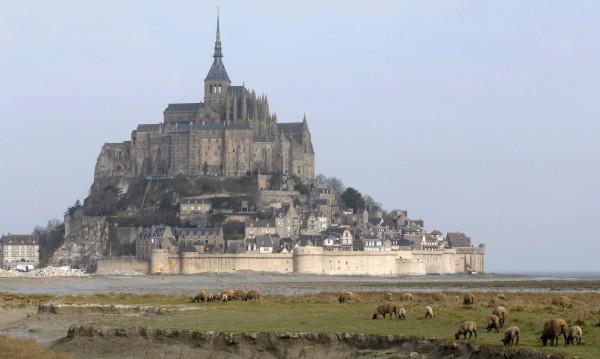 Забележителното френско абатство Мон Сен Мишел