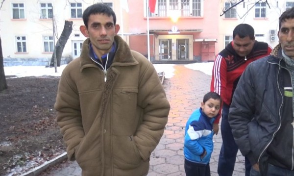 Бащата на битото бебе иска затвор за майката