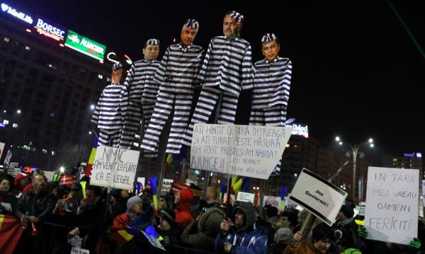 Над 10 000 души на протест за 11-и пореден ден в Румъния