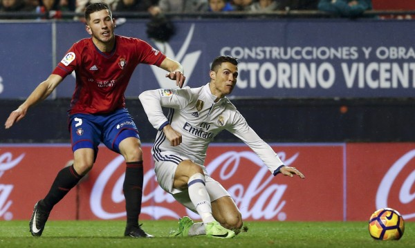 Реал се върна начело след победа над Осасуна
