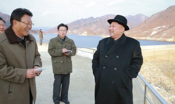 Пхенян доволeн, ракетата може да носи и ядрена глава