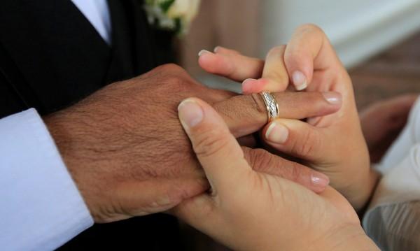 Преди Св. Валентин: Съпрузи се разведоха след 57 г. брак