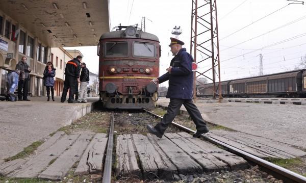 БДЖ съобщи: Влаковете от София потеглят студени