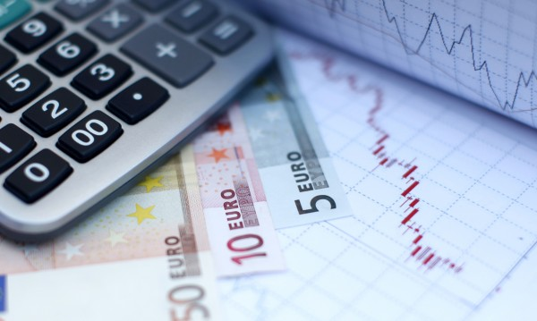 Българската икономика – напредък и рискове: Демография, популизъм...