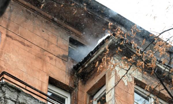 Пламна бивша печатница в Шумен, сградата е спасена